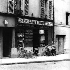 """les-sept-couleurs: """" road-to-kamarg: """" les-sept-couleurs: """" Le dimanche, c'est apéro. (Fritz Henle, Buvette, 1938) """" Le mardi aussi, et c'est l'heure ! """" A une santé qui nous est chère… La nôtre. (Image: Bistrot de la Botte, Lyon) """""""