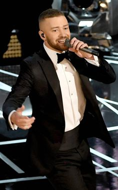 Jessica Biel, Halle Berry and Nicole Kidman Bust a Move to Justin Timberlake's 2017 Oscars Opening Performance Jessica Biel, Justin Timberlake Performance, Lab, Messy Bob Hairstyles, Trendy Hairstyles, Hip Hop, Bust A Move, Oscar Fashion, Pop Singers