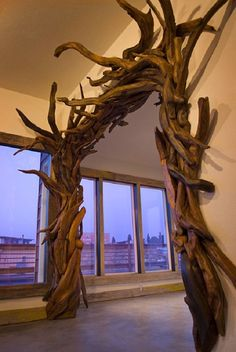 Beautiful archway sculpture made from driftwood. Driftwood Furniture, Driftwood Projects, Wooden Furniture, Driftwood Ideas, Driftwood Sculpture, Driftwood Art, Wooden Sculptures, Animal Sculptures, Tree Sculpture