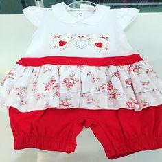 Baby Girl Macacão  Novo! Pronta entrega Tamanho: 6.9 meses  R$24.90 Para comprar ou vender Whatsapp (19)99670-0210 ou acesse http://ift.tt/2aoJsL9  Nossos produtos podem ser retirados em Indaiatuba/SP.  #amoreterno #bazar #bazaronline #bebe #bebes #cartersbrasil #campinas #chadebebe #chadefraldas #desapego #enxoval #enxovaldebebe #euquero #gestante #gravida #importados #indaiatuba #instagood #mae #mamae #maecoruja #maedemenino #maedemenina #mamaeama #maedeprimeiraviagem…