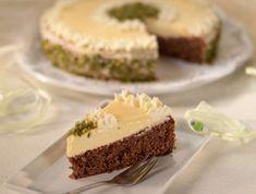 Foto: Günther Hauer Cheesecake, Food And Drink, Pie, Desserts, Pistachios, Almonds, Raspberries, Dessert Ideas, Cheesecakes