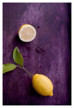 Yellow lemon on a purple background Yellow Fruit, Lemon Yellow, Orange And Purple, Violet Aesthetic, Aesthetic Colors, Food Photography Styling, Color Photography, August Colors, Purple Food