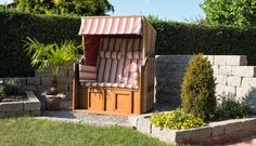 Mauersteine Terra Farbe Granit, Wohlfühlecke im Garten