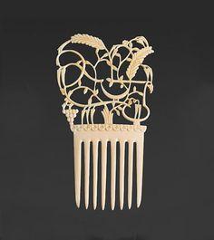 Hair Comb by Dagobert Peche by null Wiener Werkstatte in Klassische Moderne, Zeitgenössische Kunst, Jugendstil & Design on June 2016 at the null null sale lot 20 Interior Design History, Bijoux Art Nouveau, Hair Grips, Vintage Hair Combs, Barrettes, Art Nouveau Design, Hair Decorations, Hair Ornaments, Vintage Hairstyles