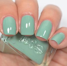 Essie - Beauty Nap (Gel Couture First Look Collection)