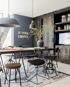 To Create An Industrial Dining Room industrial dining room simple idea dining room simple idea 5 Industrial Interior Design, Industrial Dining, Industrial Interiors, Industrial House, Home Interior, Industrial Style, Vintage Industrial, Modern Interiors, Industrial Office