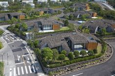 Kengo Kuma has designed Block D of the Lotte Jeju Resort Art Villas, located in South Korea. Green Architecture, Ancient Architecture, Sustainable Architecture, Landscape Architecture, Contemporary Architecture, Kengo Kuma, John Pawson Architect, Villas, Island Villa