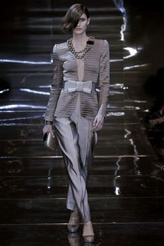 See the complete Armani Privé Fall 2008 Couture collection.