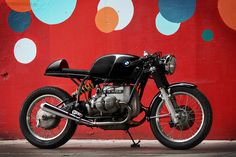 "This has to be one of the nicest BMW cafe racers ever.  Built by ""sparkymoto"""