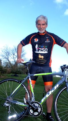 World Champ makes last minute decision to cycle 250 miles for charity - Care Choices Damon Hill, James Hunt, Cycle Ride, Martini Racing, Red Bull Racing, F1 Drivers, Formula One, Champs, Grand Prix
