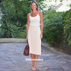 Look de trabalho - look do dia - look corporativo - moda no trabalho - work outfit - office outfit - spring outfit - look executiva - summer outfit - saia midi plissada rosé -rosa - pink - white - regata branca - look fresh - look clean - midi skirt