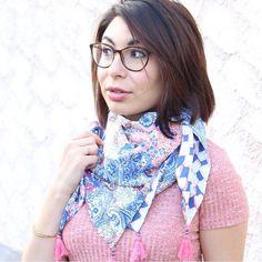Mon foulard/chèche double face  Super facile à réaliser! Le tuto est dans la bio ! Tissu : @mondialtissus Pompon : @dmc_embroidery #handmade #coutureblog #mounasew #mondialtissus #jolitissu #blogclermont #coutureblogger #tutocouture #tutorial #faitmain #couturediy #coutureaddict #sewing #sewingaddict #sewingblogger #couture #foulard #ooth #pompon