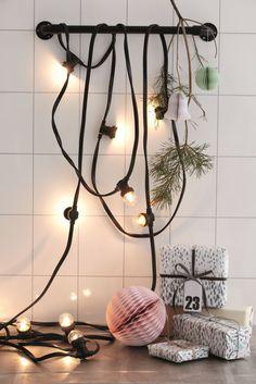 Plastový řetěz s deseti žárovkami na balkon, terasu i vánoční strmek.