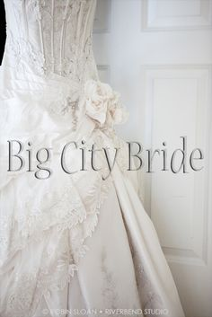 Gorgeous wedding dress with vintage detail. #bigcitybride #chicagowedding  #chicagoweddings #chicago #wedding #weddings #weddingplanner #weddingplanners #weddingdress #vintage