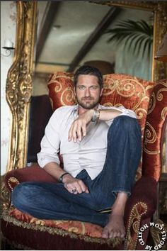 Gerard's loft - Architectual Digest. Who cares about the loft, Dude?? It's Gerard Butler!