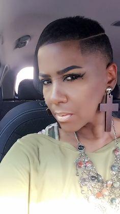 Boy cut, waves KP Barber Lounge Downtown Dallas 711 Elm Street Fade, boy cut, african american, barber, black woman