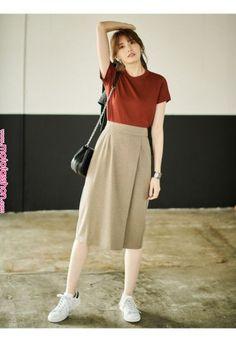 130 lovable long skirt outfits ideas - page 8 fashion trends Korean Fashion Trends, Korean Street Fashion, Asian Fashion, Korea Fashion, Simple Outfits, Casual Outfits, Modest Fashion, Fashion Dresses, Long Skirt Fashion