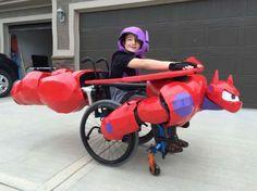 Compania Walkin&Rolline transformă scaunele cu rotile pentru copiii cu nevoi speciale.