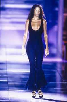 Versace Spring 1993 Ready-to-Wear Collection - Vogue //\\ Selena was really into Fashion ! #SelenaQPerez