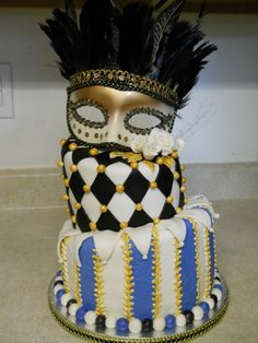 I really love something about this cake--adorable.