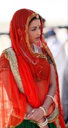 Aishwarya Rai, Pure Beauty, Vibrant, Sari, Pure Products, How To Wear, Color, Fashion, Saree