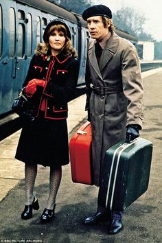 Michael with Michele Dotrice as Betty in the comedy classic Some Mothers Do ¿Ave ¿Em British Comedy Series, British Tv Comedies, Classic Comedies, 1970s Childhood, My Childhood Memories, Michele Dotrice, Comedy Actors, Vintage Television, Old Shows