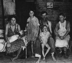 Google Image Result for http://libertyforlife.com/images/us-depression-1935-farm-security-adiminstration.jpg