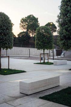 Redevelopment of Ferdinando Savoia Square by CLAB Architettura With Federico Signorelli «  Landscape Architecture Works | Landezine