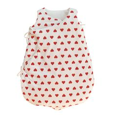 This gorgeous, fresh, Red Hearts Baby Sleeping Bag is ideal for a perfect night's sleep. The baby sleeping bag opens up completely when untied for easy access. No tangled blankets and sheets ensures that baby gets a comfortable and safe night's sleep www.urbanmummy.co.uk (http://www.urbanmummy.co.uk/red-hearts-baby-sleeping-bag/)