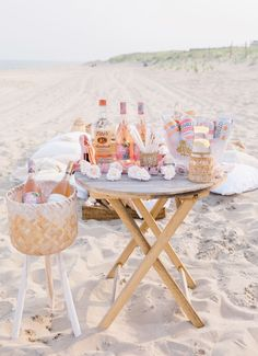 I'm sharing the party details of my birthday picnic dinner. You better believe that I'm not waiting until my next major birthday to throw another one. Night Picnic, Picnic Dinner, Picnic Time, Beach Picnic, Summer Picnic, Backyard Picnic, Picnic Birthday, Birthday Dinners, Birthday On The Beach