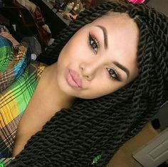 Senegalese Twists I don't have the right hair but this is beautiful! Protective Hairstyles, Weave Hairstyles, Pretty Hairstyles, Protective Styles, Hair Afro, Braid Hair, Makeup Black, Curly Hair Styles, Natural Hair Styles
