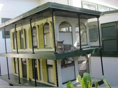Hemingway cat House