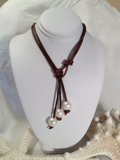 Pearl and Leather Lariat Necklace on Etsy byJewelsbythebay