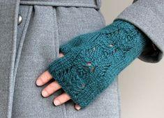Knitting Pattern Scots Pine Fingerless Gloves от handknittedthings