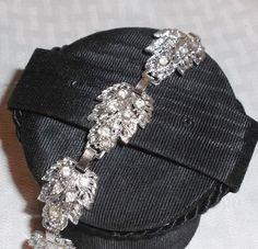 1950s Vintage Silver Tone Leaf Bracelet with by MyVintageHatShop