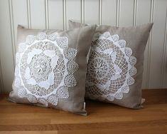 5 Mind Blowing Useful Ideas: Decorative Pillows Combinations Colour decorative pillows bohemian beds.Decorative Pillows For Girls Cushions decorative pillows on bed sleepover.Decorative Pillows On Bed String Lights. Crochet Cushions, Crochet Pillow, Sewing Pillows, Diy Pillows, Linen Pillows, Throw Pillows, Doilies Crafts, Lace Doilies, Crochet Doilies
