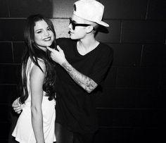 Selena Gomez and Justin Bieber Jelena edit Justin Love, Justin Bieber Selena Gomez, Justin Bieber And Selena, Cute Celebrity Couples, Cute Couples, Letting Go Of Him, Best Couple, Beautiful Celebrities, Couple Goals