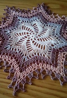 Stunning Octoberfest Star – Crochet Pattern #crochet #freepattern #homedecor