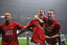 Vidic and Ferdinand celebrate Champions League success in 2008
