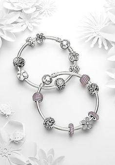 Pandora - 791112 - Drops Femme - Argent 925/1000 - Maman  http://www.amazon.fr/gp/product/B00B7HMNYG/ref=as_li_tl?ie=UTF8&camp=1642&creative=6746&creativeASIN=B00B7HMNYG&linkCode=as2&tag=httplemeilleu-21
