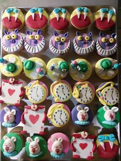 - Alice in wonderland Cupcakes