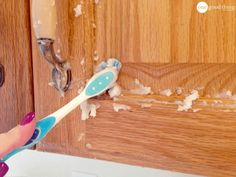 How To Clean Grimy Kitchen Cabinets With 2 Ingredients | Baking soda ...