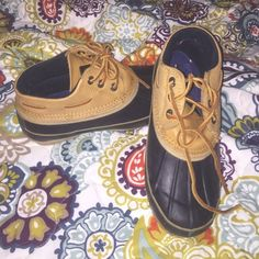 Duck Boots Only worn a few times! Great condition! They were just a little too big for me. Inside is soft, keeps your feet warm and dry. ***NOT SPERRY BRAND*** Sperry Top-Sider Shoes