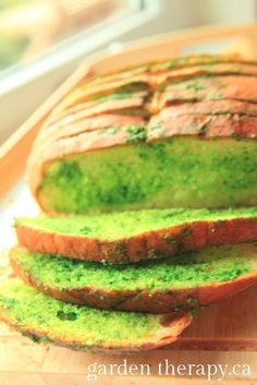 Spinach and kale garlic toast would be great for Halloween dinner!