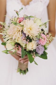 Ruffled® | Picture 89800 « Page 2 « Spring Wedding Flower Trends