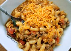 If you love 30 minute meals that require ONE POT for clean up, then you MUST try this easy and hearty One Pot Chili Mac. A good home cooked weeknight meal!
