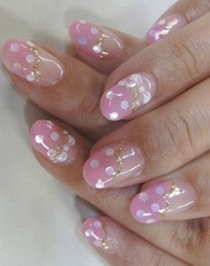 New Trendy Nail Art Ideas - Watch out for the new trendy nail art ideas offered by pro artists eager to share their artsy painting techniques with you. Use your creativity to kiss goodbye to the plainness of bare nails. Trendy Nail Art, Cute Nail Art, Easy Nail Art, Really Cute Nails, Love Nails, How To Do Nails, Soft Pink Nails, Fancy Nails, Silver Nails