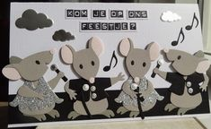 Scrapcard girls: Hiep, Hiep, Hoera het is feest vandaag! Making Greeting Cards, Christmas Cards, Marianne Design Cards, Rena, Elizabeth Craft Designs, Birthday Cards For Women, Die Cut Cards, Animal Cards, Creative Cards