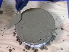 How to Create Concrete Stepping Stones : How-To : DIY Network Concrete Stepping Stones, Diy Concrete Planters, Concrete Walkway, Garden Stepping Stones, Stone Walkway, Concrete Crafts, Concrete Projects, Backyard Projects, Outdoor Projects