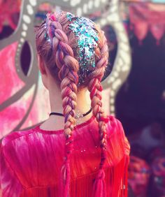 GYPSY SHRINE BRAIDS Come find the shrine at Glastonbury this weekend for all your braiding and glitter needs!! ✨ Location in last post! (Braids by @jenna_su )